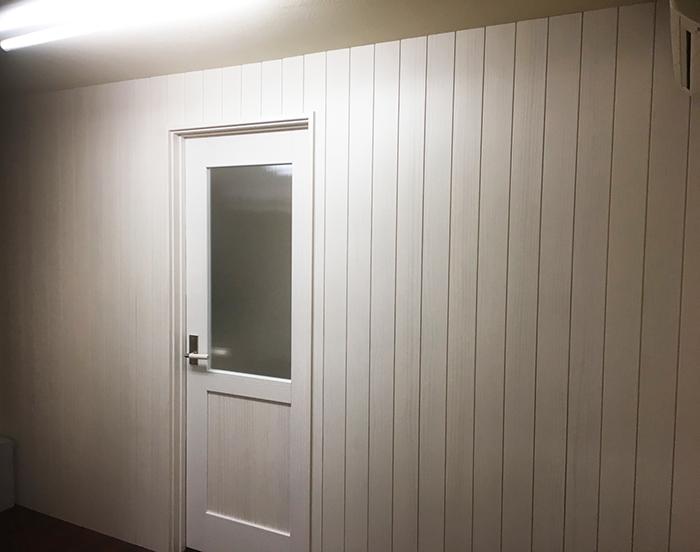 仕切り壁とドア