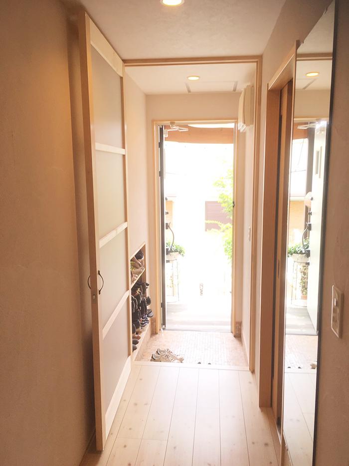 廊下の仕切りドア