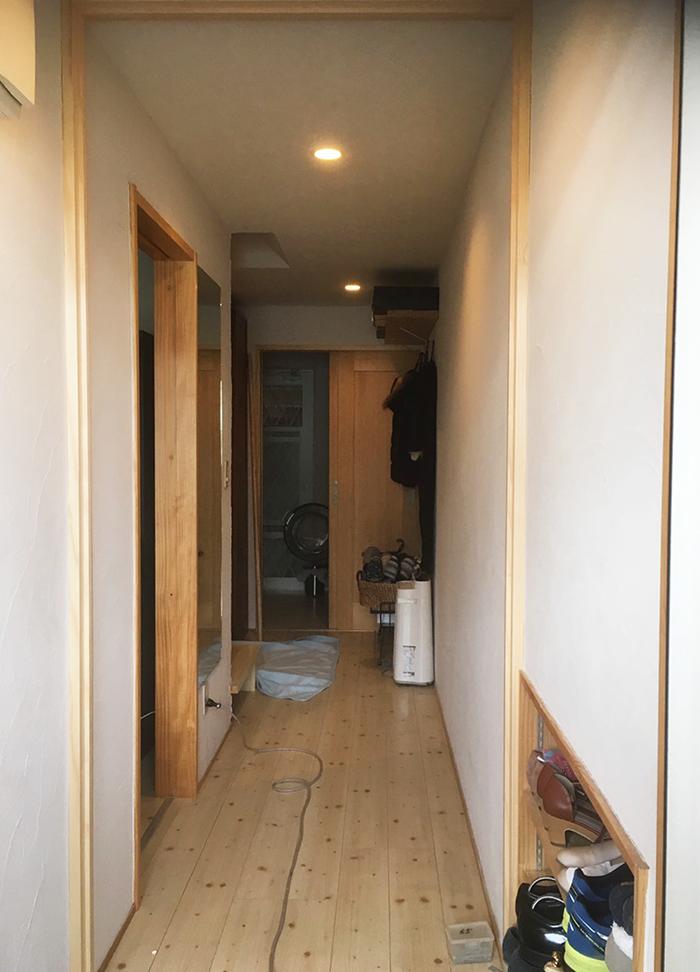 廊下の仕切りドア(玄関側)取り付け前取り付け前