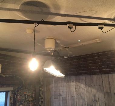 電源直結式照明をシーリング照明に変える2つのアイデア